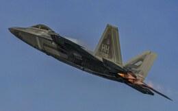 海山さんが、岩国空港で撮影したアメリカ空軍 F-22A-20-LM Raptorの航空フォト(飛行機 写真・画像)
