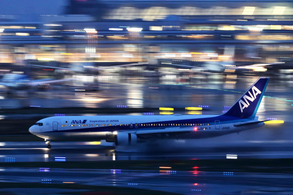 HNANA787さんの全日空 Boeing 767-300 (JA610A) 航空フォト