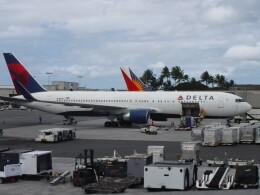 不揃いさんが、ダニエル・K・イノウエ国際空港で撮影したデルタ航空 767-332/ERの航空フォト(飛行機 写真・画像)