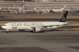 ドガースさんが、羽田空港で撮影した全日空 777-381/ERの航空フォト(飛行機 写真・画像)