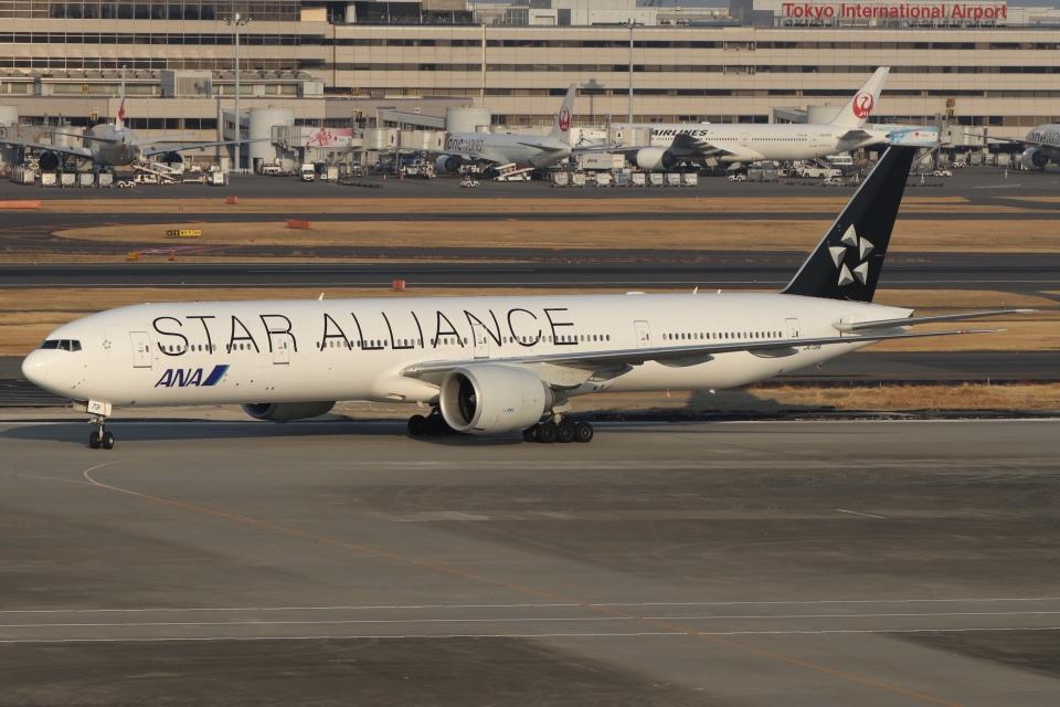 ドガースさんの全日空 Boeing 777-300 (JA731A) 航空フォト