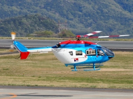FT51ANさんが、岡山空港で撮影した中日新聞社 BK117C-2の航空フォト(飛行機 写真・画像)