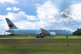 gomaさんが、ミュンヘン・フランツヨーゼフシュトラウス空港で撮影したエア・カナダ 787-9の航空フォト(飛行機 写真・画像)