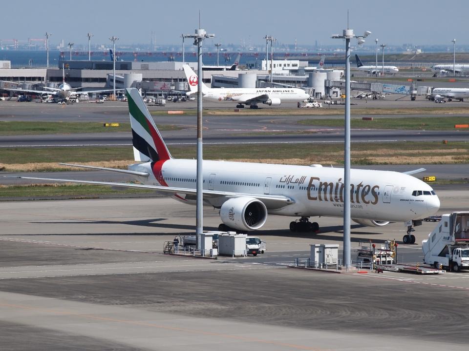 FT51ANさんのエミレーツ航空 Boeing 777-300 (A6-EGC) 航空フォト