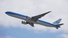 IMP.TIさんが、成田国際空港で撮影したKLMオランダ航空 777-306/ERの航空フォト(飛行機 写真・画像)