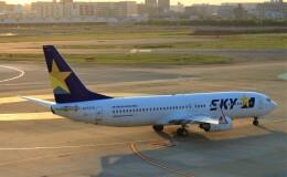 Rsaさんが、福岡空港で撮影したスカイマーク 737-8FZの航空フォト(飛行機 写真・画像)