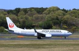 kazutoさんが、岡山空港で撮影した日本航空 737-846の航空フォト(飛行機 写真・画像)