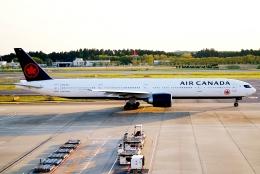 SFJ_capさんが、成田国際空港で撮影したエア・カナダ 777-333/ERの航空フォト(飛行機 写真・画像)
