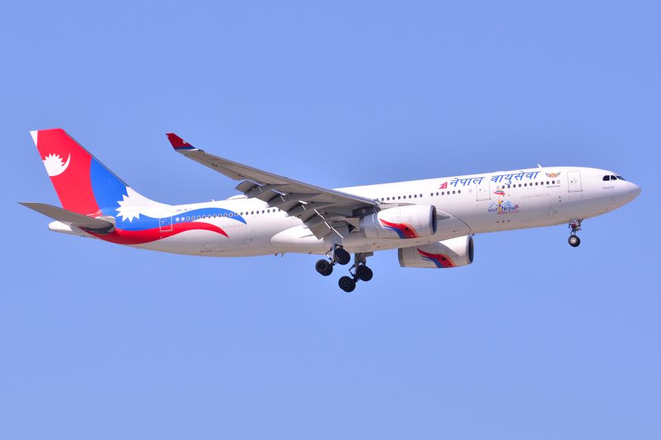 フリューゲルさんのネパール航空 Airbus A330-200 (9N-ALY) 航空フォト