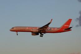 OS52さんが、成田国際空港で撮影したアビアスター 757-223(PCF)の航空フォト(飛行機 写真・画像)