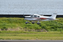 ヨッシさんが、岡南飛行場で撮影した日本個人所有 PA-28-140 Cherokeeの航空フォト(飛行機 写真・画像)