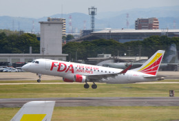 mojioさんが、名古屋飛行場で撮影したフジドリームエアラインズ ERJ-170-200 (ERJ-175STD)の航空フォト(飛行機 写真・画像)