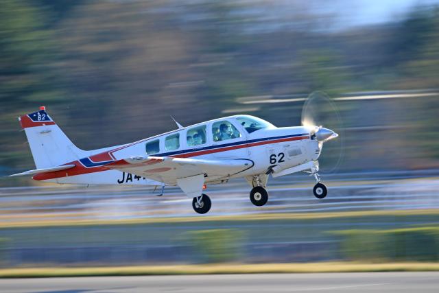 Nao0407さんが、松本空港で撮影した日本法人所有 A36 Bonanza 36の航空フォト(飛行機 写真・画像)