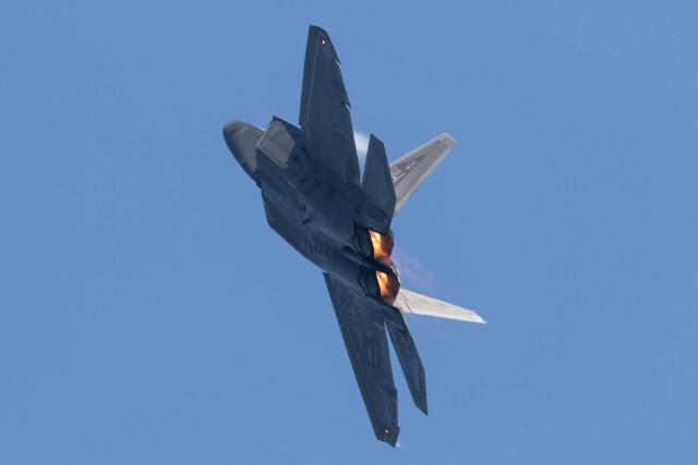 Koenig117さんが、岩国空港で撮影したアメリカ空軍 F-22A-30-LM Raptorの航空フォト(飛行機 写真・画像)
