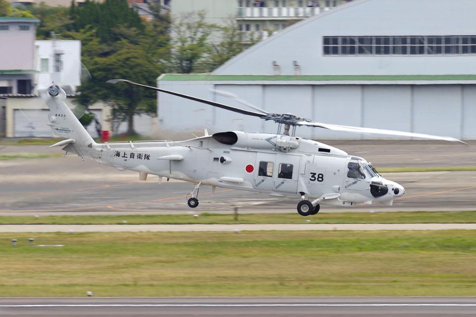 yabyanさんの海上自衛隊 Mitsubishi SH-60K (8438) 航空フォト