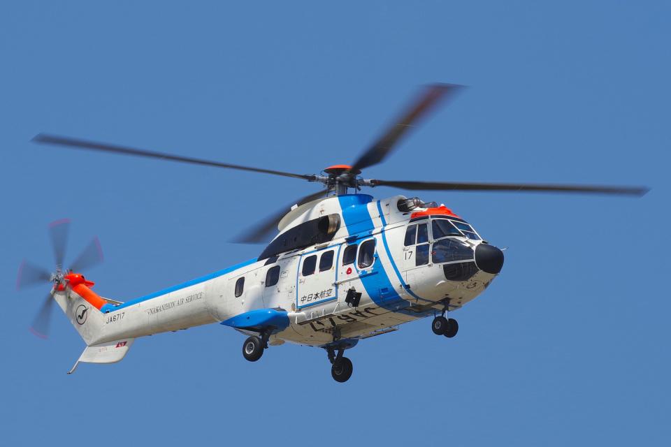yabyanさんの中日本航空 Aerospatiale AS332 Super Puma (JA6717) 航空フォト