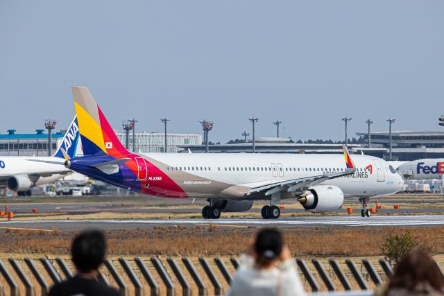 SGR RT 改さんが、成田国際空港で撮影したアシアナ航空 A321-251NXの航空フォト(飛行機 写真・画像)