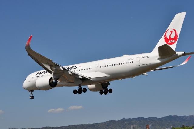 うすさんが、伊丹空港で撮影した日本航空 A350-941の航空フォト(飛行機 写真・画像)