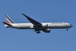 Deepさんが、成田国際空港で撮影したエールフランス航空 777-328/ERの航空フォト(飛行機 写真・画像)