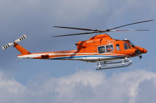 Wings Flapさんが、名古屋飛行場で撮影した新日本ヘリコプター 412EPの航空フォト(飛行機 写真・画像)