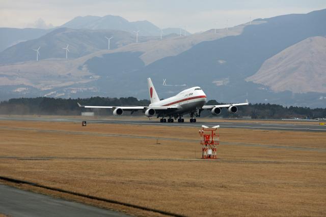 tsubameさんが、熊本空港で撮影した航空自衛隊 747-47Cの航空フォト(飛行機 写真・画像)