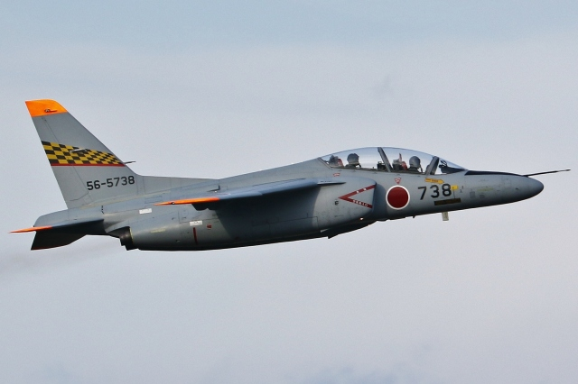 Wings Flapさんが、名古屋飛行場で撮影した航空自衛隊 T-4の航空フォト(飛行機 写真・画像)