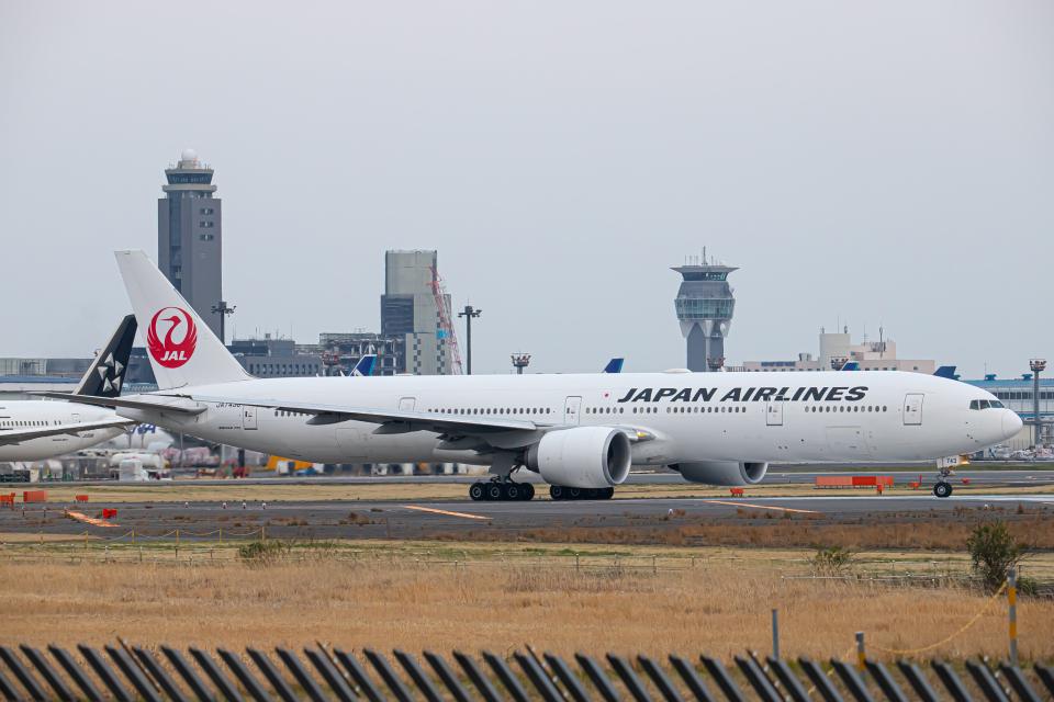 SGR RT 改さんの日本航空 Boeing 777-300 (JA743J) 航空フォト