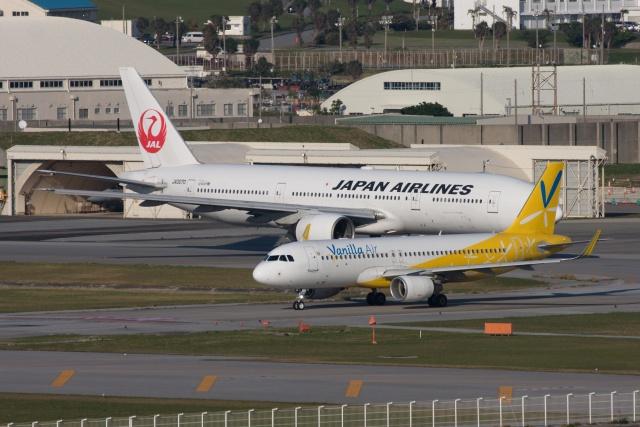 S.Hayashiさんが、那覇空港で撮影したバニラエア A320-214の航空フォト(飛行機 写真・画像)