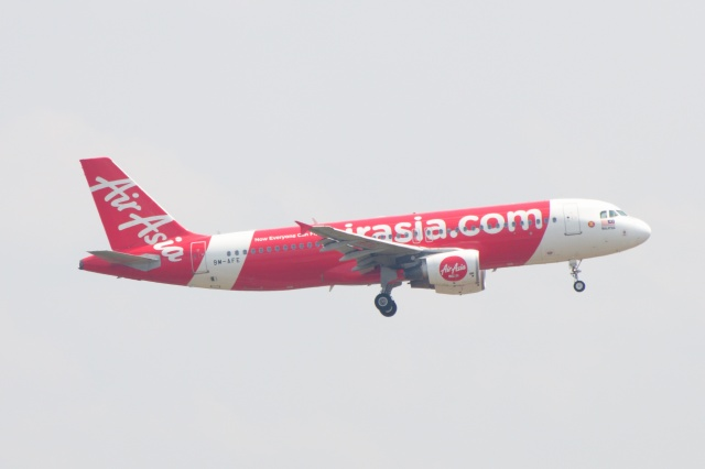 S.Hayashiさんが、クアラルンプール国際空港で撮影したエアアジア A320-214の航空フォト(飛行機 写真・画像)