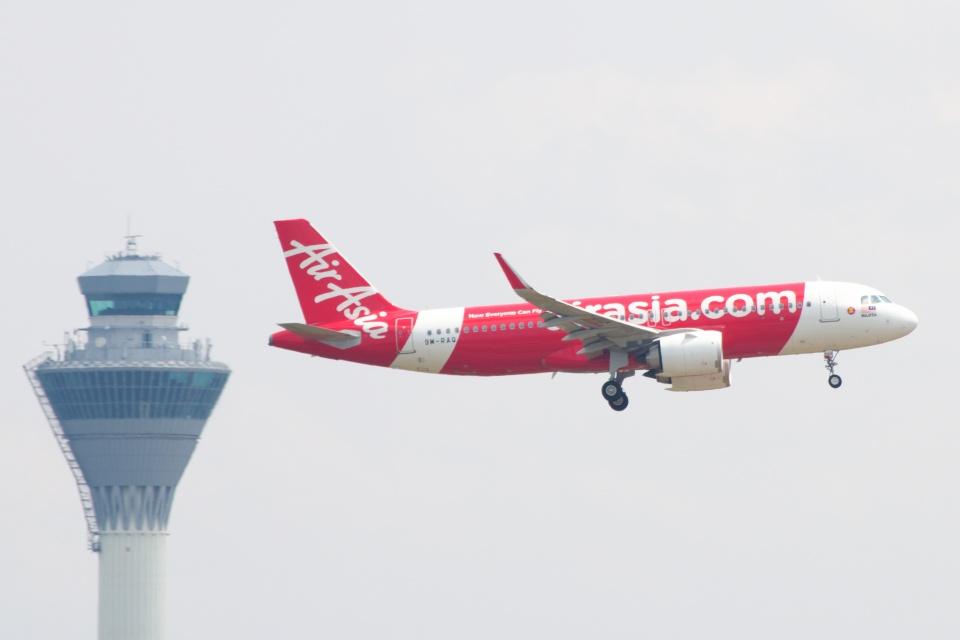 S.Hayashiさんのエアアジア Airbus A320neo (9M-RAQ) 航空フォト