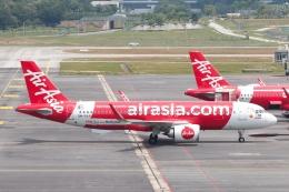 S.Hayashiさんが、クアラルンプール国際空港で撮影したエアアジア A320-251Nの航空フォト(飛行機 写真・画像)