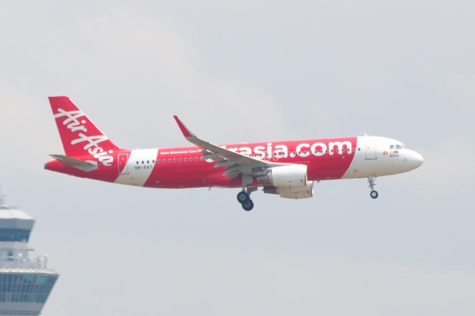 S.Hayashiさんのエアアジア Airbus A320 (9M-RAT) 航空フォト