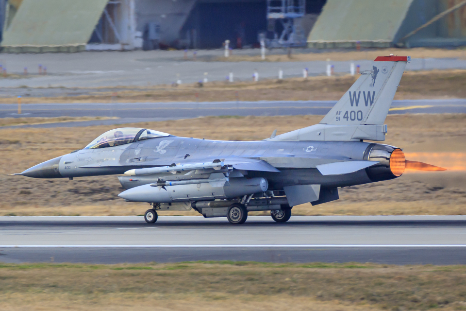 norimotoさんのアメリカ空軍 General Dynamics F-16 Fighting Falcon (91-0400) 航空フォト