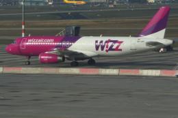 yabyanさんが、ヘルシンキ空港で撮影したウィズ・エア A320-233の航空フォト(飛行機 写真・画像)