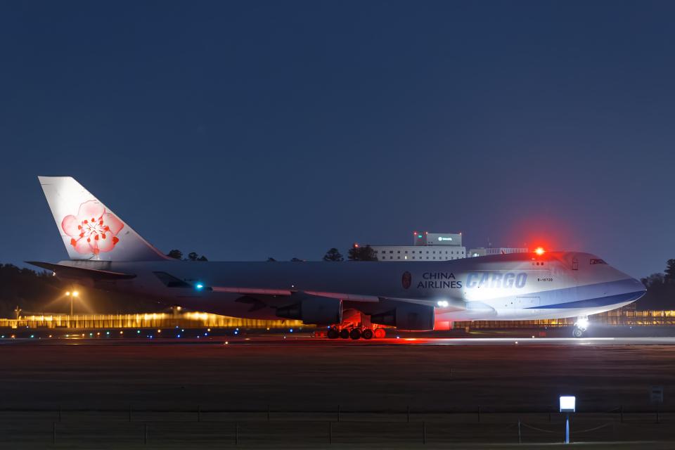 SGR RT 改さんのチャイナエアライン Boeing 747-400 (B-18720) 航空フォト