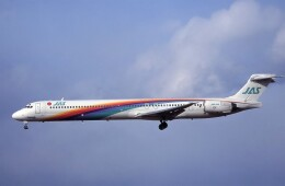 kumagorouさんが、仙台空港で撮影した日本エアシステム MD-90-30の航空フォト(飛行機 写真・画像)