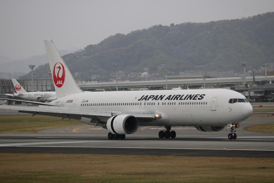 なかすぃ~さんの日本航空 Boeing 767-300 (JA8988) 航空フォト