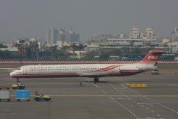 S.Hayashiさんが、高雄国際空港で撮影した遠東航空 MD-82 (DC-9-82)の航空フォト(飛行機 写真・画像)