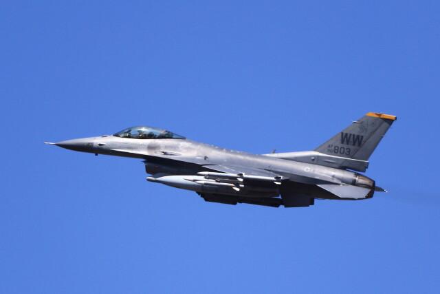 MH-38Rさんが、三沢飛行場で撮影したアメリカ空軍 F-16CM-50-CF Fighting Falconの航空フォト(飛行機 写真・画像)