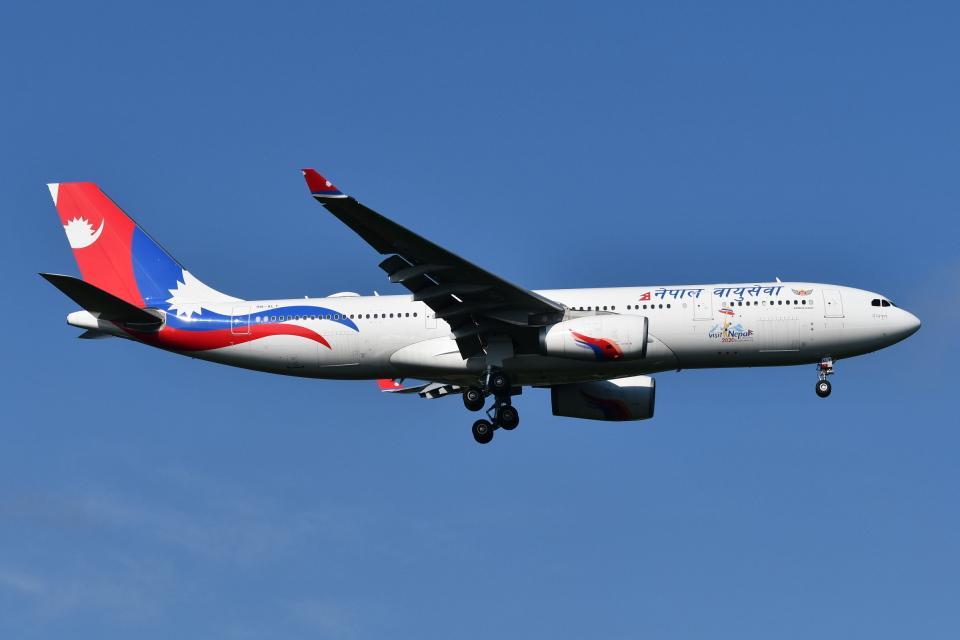 Deepさんのネパール航空 Airbus A330-200 (9N-ALY) 航空フォト