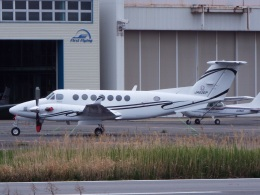 YaoRJOYさんが、八尾空港で撮影したITCアエロリーシング 350 King Airの航空フォト(飛行機 写真・画像)