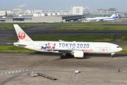 のんきな人さんが、羽田空港で撮影した日本航空 777-246の航空フォト(飛行機 写真・画像)