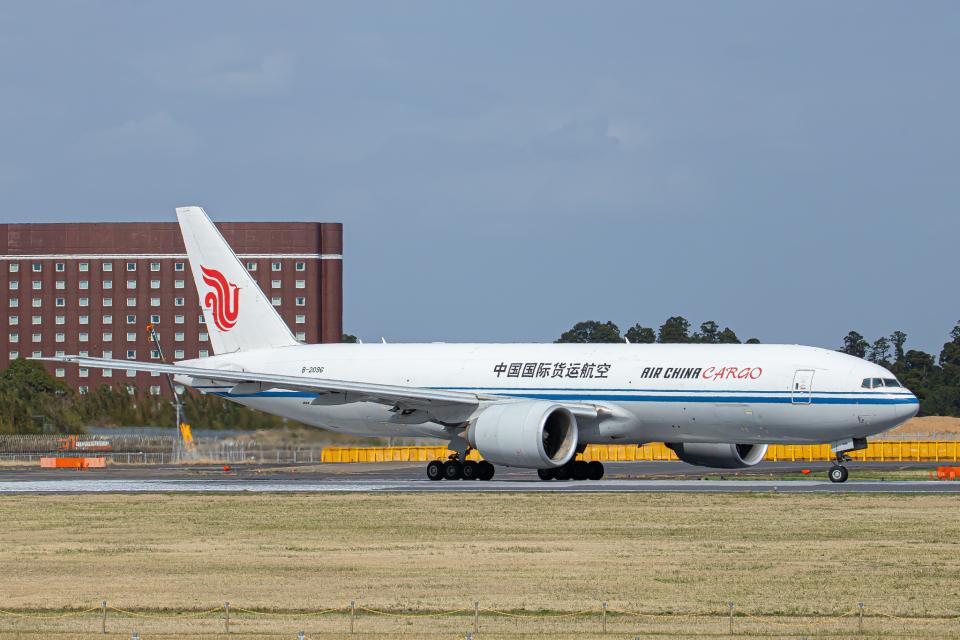 SGR RT 改さんの中国国際貨運航空 Boeing 777-200 (B-2096) 航空フォト