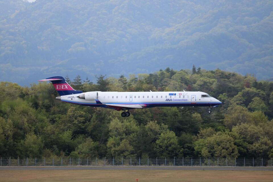ヒロジーさんのアイベックスエアラインズ Bombardier CRJ-700 (JA05RJ) 航空フォト