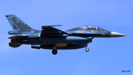 RINA-281さんが、小松空港で撮影した航空自衛隊 F-2Bの航空フォト(飛行機 写真・画像)