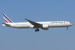 mameshibaさんが、成田国際空港で撮影したエールフランス航空 777-328/ERの航空フォト(飛行機 写真・画像)