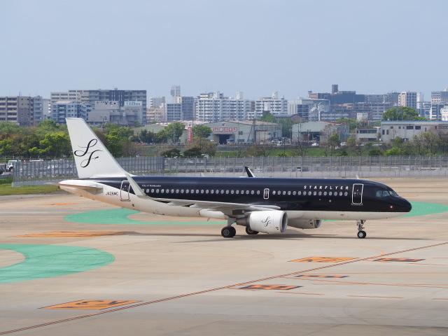 hirohirokinさんが、福岡空港で撮影したスターフライヤー A320-214の航空フォト(飛行機 写真・画像)
