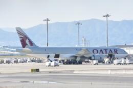 M.Tさんが、関西国際空港で撮影したカタール航空カーゴ 777-Fの航空フォト(飛行機 写真・画像)