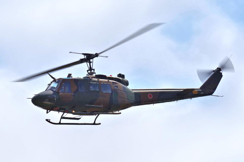 yabyanさんの陸上自衛隊 Fuji UH-1J (41847) 航空フォト