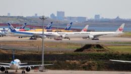 誘喜さんが、羽田空港で撮影した日本航空 777-346の航空フォト(飛行機 写真・画像)
